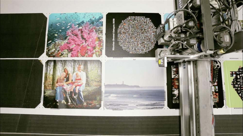 Machine at Circle Graphics cutting canvas prints