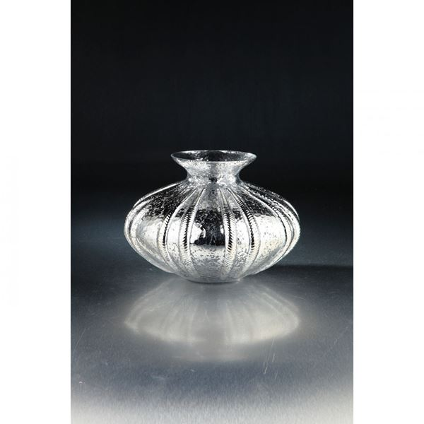 Picture of Black Glass Round Vase