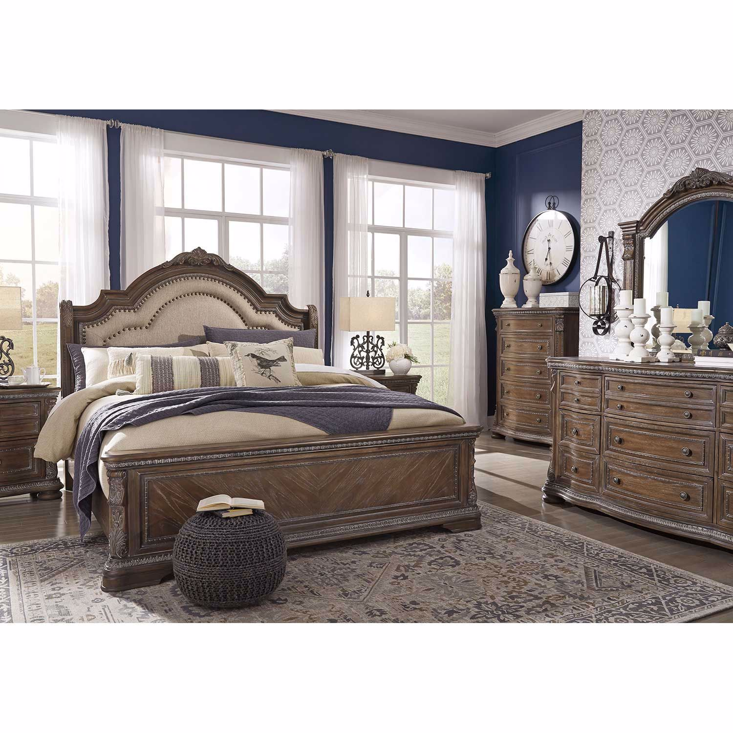 Picture of Charmond Upholstered King Bed