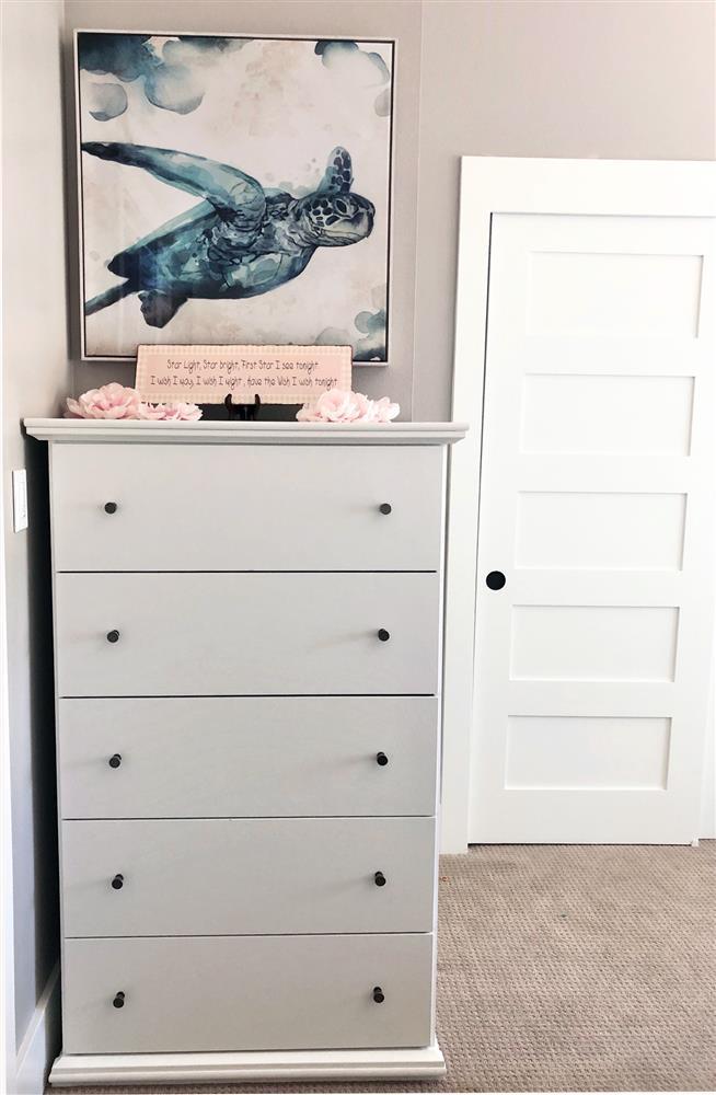 Standing Dresser
